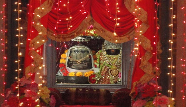 माता का यह मंदिर देता हैं आपदा आने का संकेत, कुंड के पानी का रंग होने लगता हैं काला