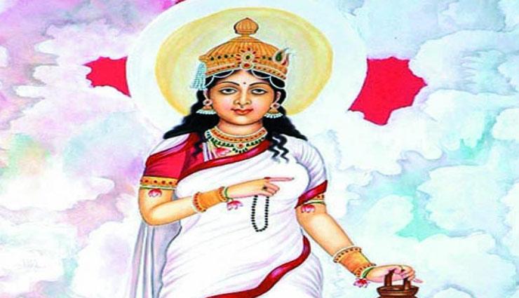 astrology tips,navratri special,maa brahmacharini,navratri,maa brahmacharini look ,नवरात्रि स्पेशल, मां ब्रह्मचारिणी,नवरात्रि, मां ब्रह्मचारिणी का स्वरूप