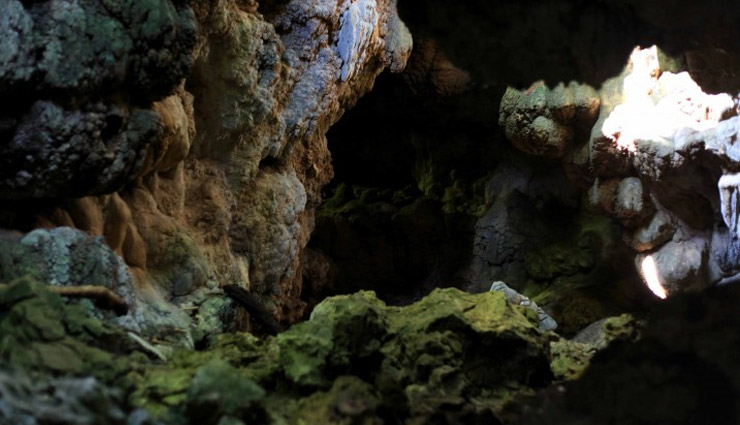 least known cave temples in india,cave temples in india,cave temples,temples in india,badami caves,karnataka,mawsmai caves,meghalaya,bhimbetka caves,madhya pradesh,ellora caves,aurangabad,pataleshwar cave temple,maharashtra