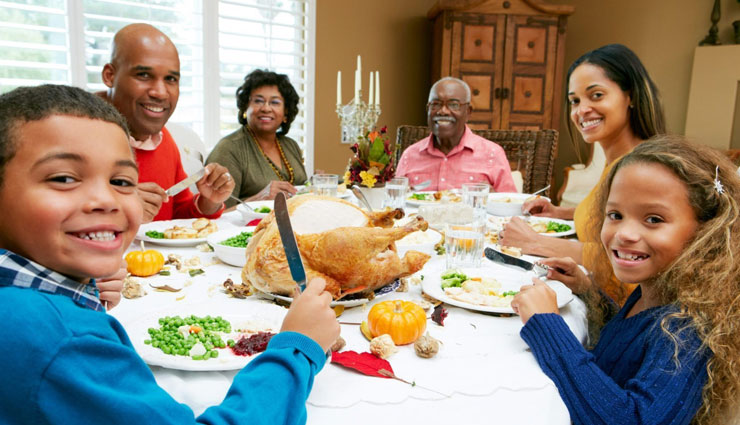 eating meal with family,reasons to eat with family,benefits of eating with family,family tips,relationship tips