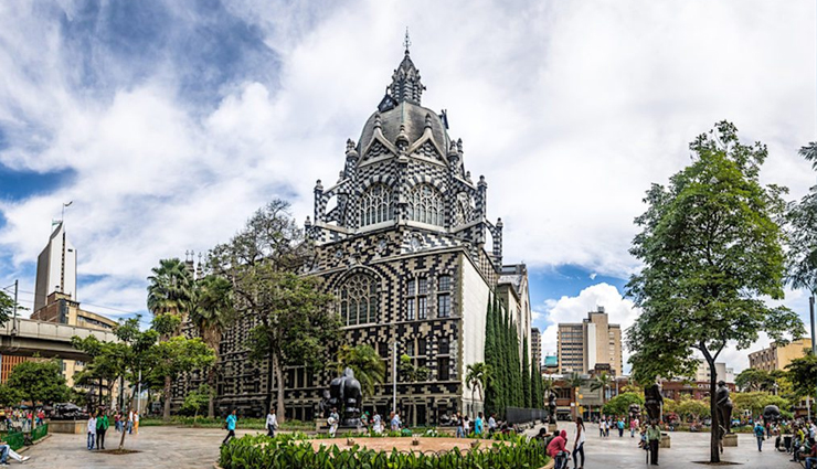 medellin,places in medellin,colombia,colombia travel,plaza botero,parque arvi,guatape,medellín walking tour,parque lleras nightlife,sample bandeja paisa,travel,travel guide,travel tips,holidays,foreign destinations
