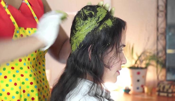 बालों के लिए मेहंदी हैं बेहद गुणकारी, इन 6 चीजों को मिलाकर करें इन्हें पोषित