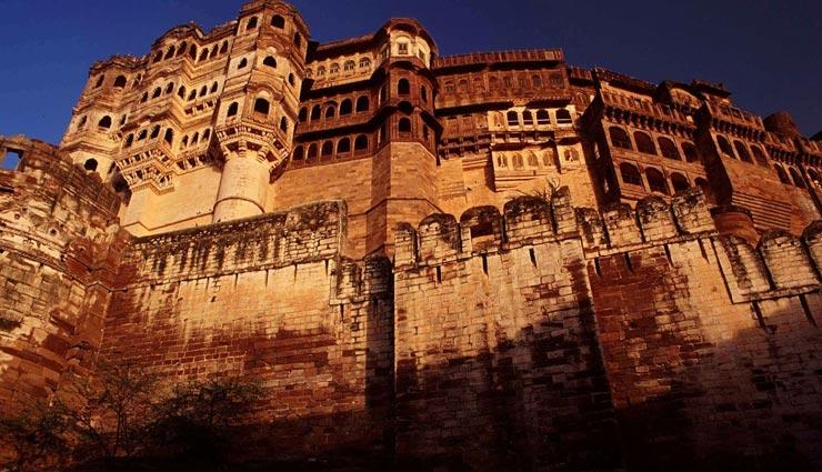 छुट्टियों में करें भारत के ऐतिहासिक किलों की सैर, महसूस करेंगे खुद को गौरवान्वित