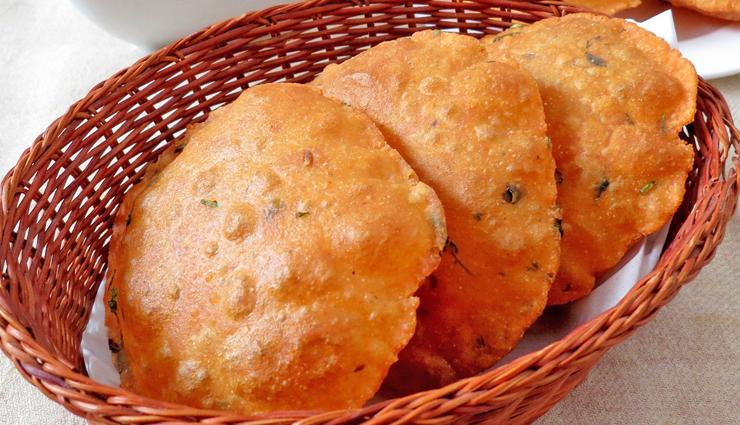 Recipe- Healthy and Delicious Methi Tomato Puri