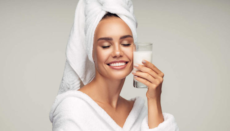 5 Ways Milk Helps You Get Soft Skin