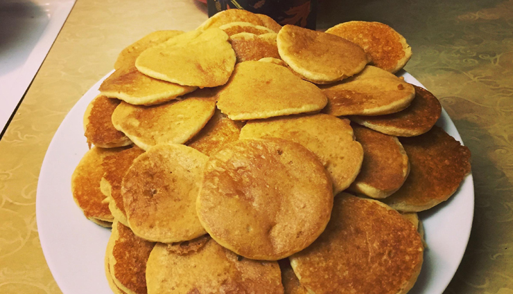 mini pumpkin pancakes,pancakes recipe,pumpkin recipe,snacks recipe,dessert recipe