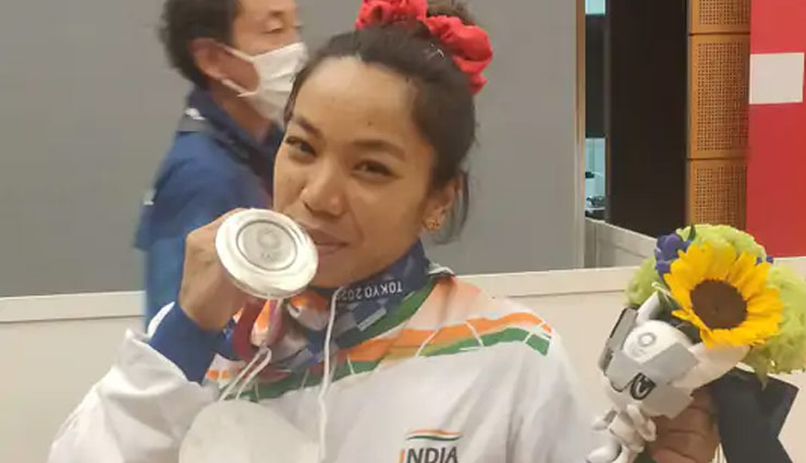 tokyo olympics,mirabai chanu,good luck earings,mother gift