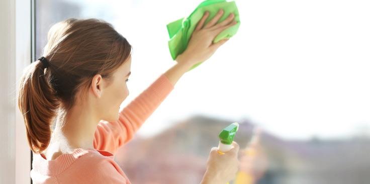 mirror cleaning tips,household tips ,काँच पर लगे दाग-धब्बे, काँच की सफाई, साफ़-सफाई टिप्स, दाग-धब्बों से छुटकारा