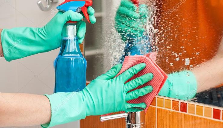काँच पर लगे धब्बे घटाते है उनकी सुंदरता, सफाई के लिए आजमाए ये 5 आसान तरीके