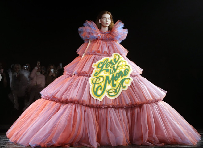 models wear memes,paris fashion show runway,paris,2019 spring-summer haute couture collection fashion show,entertainment