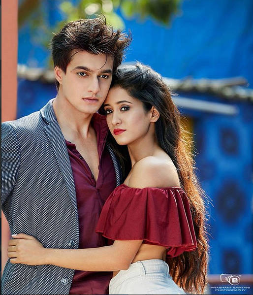 mohsin khan and shivangi joshi latest photoshoot,latest photoshoot of tv couple,mohsin khan,shivangi joshi,prashant samthani,eh rishta kya kehlata