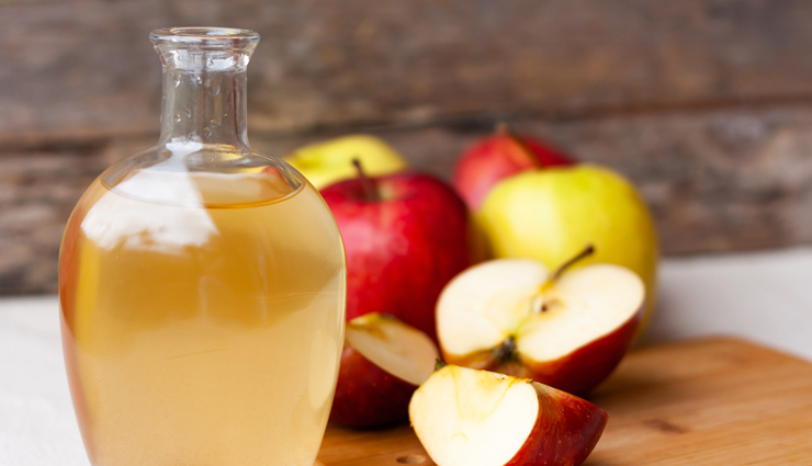 apple cider vinegar,baking soda and castor oil,pineapple juice,onion juice,iodine,aloe vera,natural ways to get rid of moles,moles on skin,skin care tips,beauty tips,home remedies