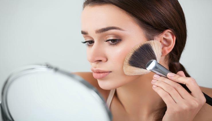 beauty tips,beauty tips in hindi,makeup according to skin,monsoon makeup tips,glowing skin tips ,ब्यूटी टिप्स, ब्यूटी टिप्स हिंदी में, मेकअप टिप्स, त्वचा के अनुसार मेकअप, ग्लोइंग स्किन के मेकअप टिप्स