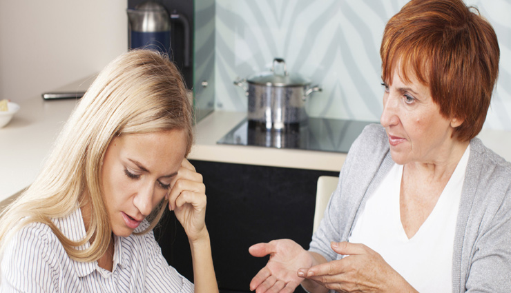 mother in laws are toxic,signs of toxic mother in law,signs of mother in law,family tips
