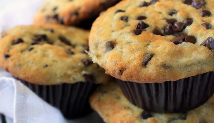 muffins recipe,banana chocolate chip muffins,dessert recipe,banana recipe