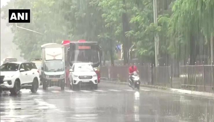 Mumbai Weather Update / IMD says city likely to receive light rainfall today