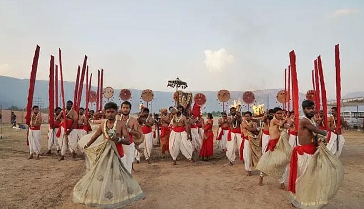 vp venkaiah naidu,venkaiah naidu joins sadhguru in maha shivratri celebration,isha foundation,maha shivratri celebration,news