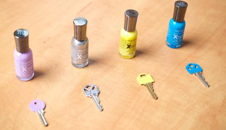 household uses of nail paints,household tips,home decor tips,nail paint uses,nail polish for labeling,nail polish for color codes ,हाउसहोल्ड टिप्स, होम डेकोर टिप्स, नेल पोलिश का इस्तेमाल