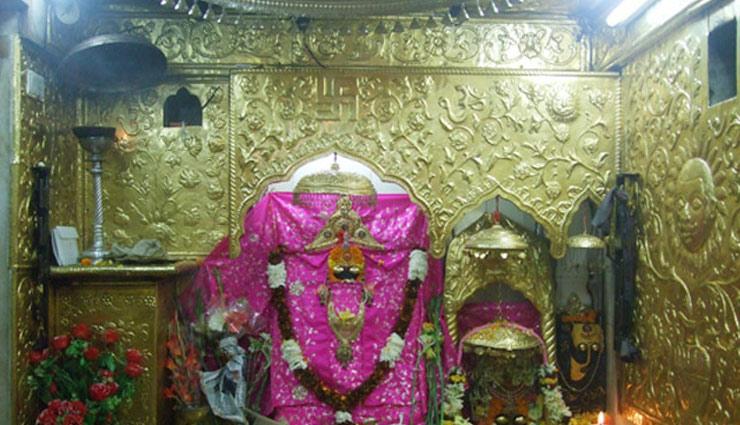 विश्वभर में प्रसिद्द है दुर्गा माता के ये 5 मंदिर, दर्शन के लिए विदेशों से भी आते है सैलानी