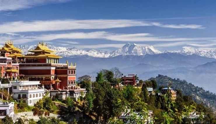 kathmandu,kathmandu tourism,tourist places in kathmandu,visit durbar square,walk through the old lanes,shopping,pray at swayambhunath,get blessed at pashupatinath,circumambulate boudhanath,enjoy the real nepalese life,satisfy your taste with nepalese foods,travel,holidays,travel guide