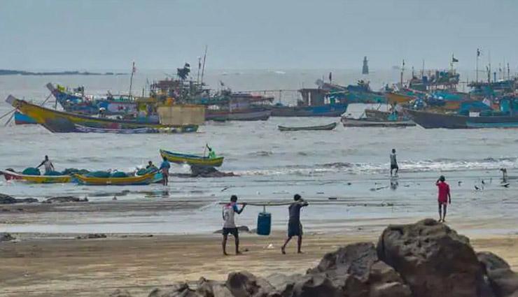महाराष्ट्र-गुजरात तट से आज 120 किमी/घंटे की रफ्तार से टकराएगा चक्रवाती तूफान 'निसर्ग'; एनडीआरएफ की 36 टीमें तैनात