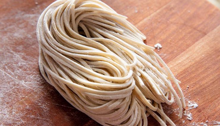 egg hakka noodles,egg hakka noodles recipe,egg recipe,noodles recipe,recipe,breakfast recipe