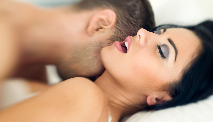 सेक्स के समय भूलकर भी ना करें ये गलतियाँ, पड़ता है बहुत बुरा असर