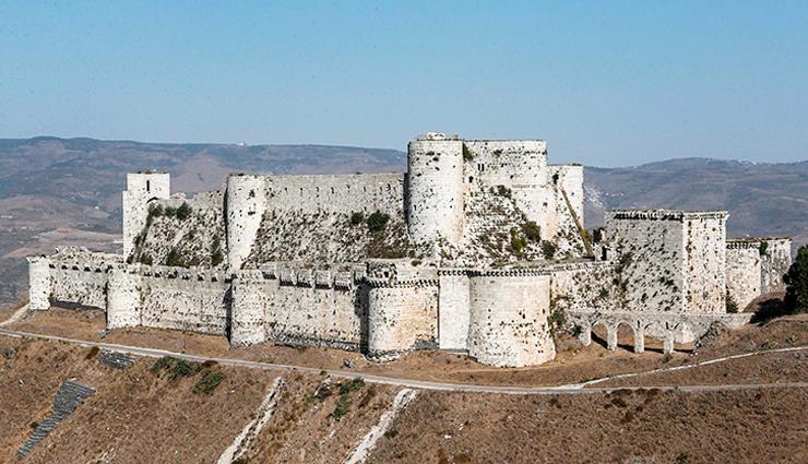 old castles,europe,castles in europe,alcázar of segovia,citadel of aleppo,prague castle,alhambra de granada,reichsburg cochem,krak des chevaliers
