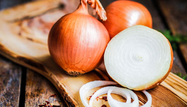 5 Beauty Benefits of Using Onions