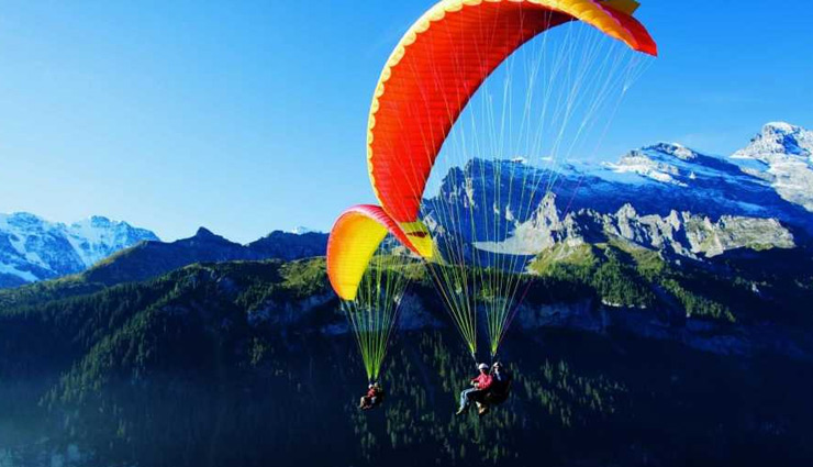 5 Places in India To Enjoy Paragliding