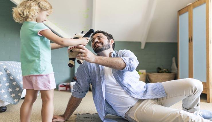 इन 5 नियमों के साथ करें बच्चों की परवरिश, बचपन जीने के साथ ही आएगी समझदारी