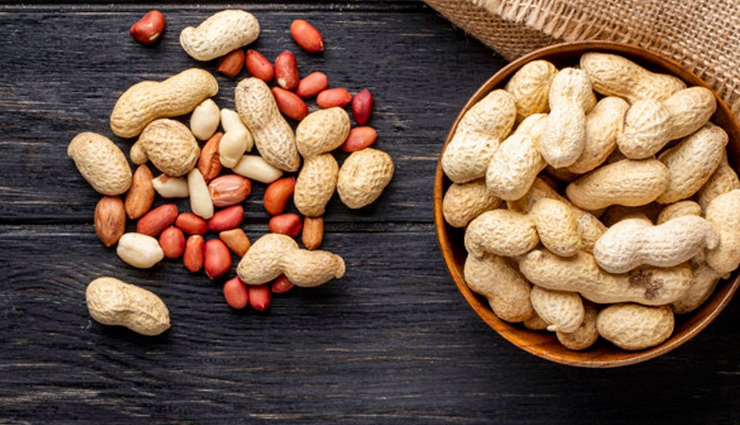 6 Side Effects of Eating Too Many Peanuts