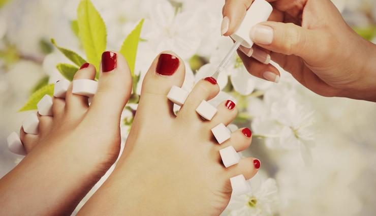 steps to do salon like pedicure,pedicure steps,tips to do pedicure,beauty tips,beauty hacks