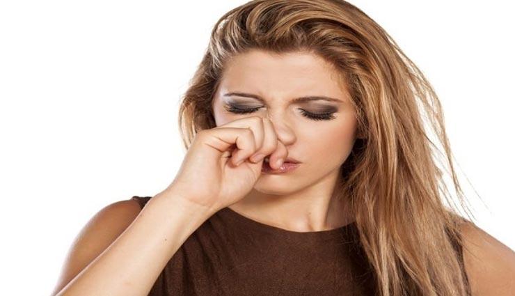 नाक के अंदर हुई फुंसी देती हैं बहुत तकलीफ, ये घरेलू उपाय दिलाएंगे आपको राहत