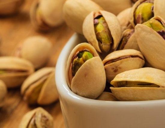 खराब कोलेस्ट्रॉल को कम और अच्छे कोलेस्ट्रॉल को बढ़ाने में मदद करता है पिस्ता