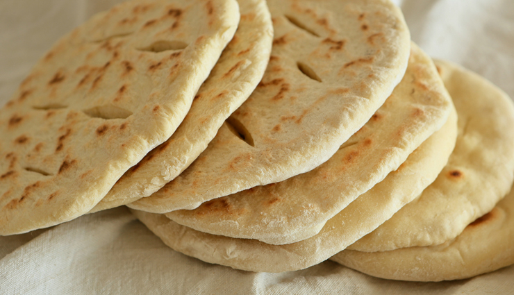 cheesy pita pockets,cheesy pockets,pita pockets,hunger struck,food,easy to cook recipes,how to make cheesy pita pockets