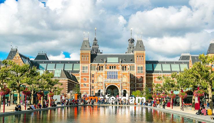 places to see in amsterdam,amsterdam,the canal belt,stedelijk museum amsterdam,vondelpark,rijksmuseum,de oude kerk