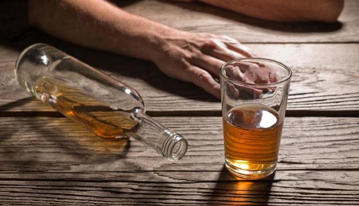 जानें कैसे शराब बन जाती है जहरीली और ले लेती है हजारों की जान