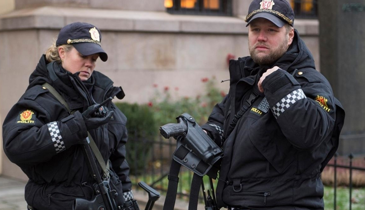 the united kingdom,norway,iceland,botswana,new zealand,countries where police do not carry guns