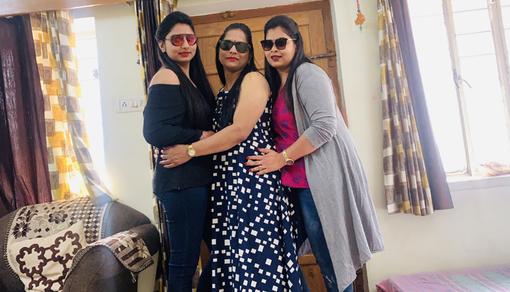 Mother's Day 2020- 5 Poses You Can Try With Your Mother