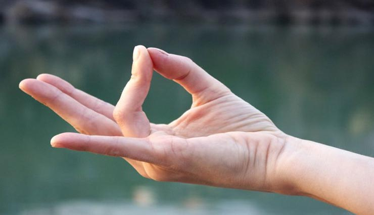 Health tips,health tips in hindi,mudra method,mudra benefits,yoga day 2019,prithwi mudra ,हेल्थ टिप्स, हेल्थ टिप्स हिंदी में, मुद्राओं के तरीके, मुद्रा के फायदे, योग दिवस 2019, पृथ्वी मुद्रा