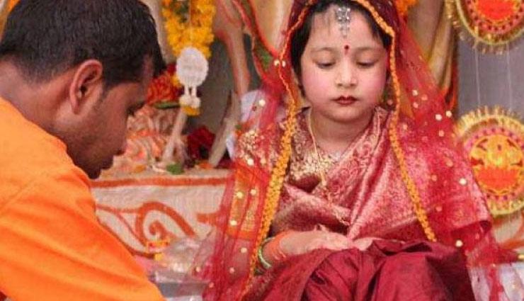 weird story,strange custom,girl clothes,dedicated to the temple,karnataka ,अजीब प्रथा, लडकियों के कपड़े, मन्दिरों को समर्पित, कर्नाटक