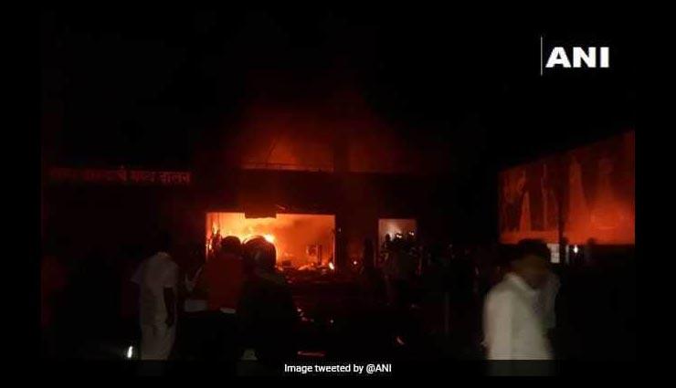 पुणे: कपड़े के गोदाम में लगी भीषण आग, 5 मजदूरों की मौत