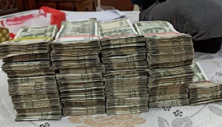 जयपुर : ACB ने दो RAS अफसरों के घर पर मारा छापा, मिली 80 लाख रुपए की नकदी