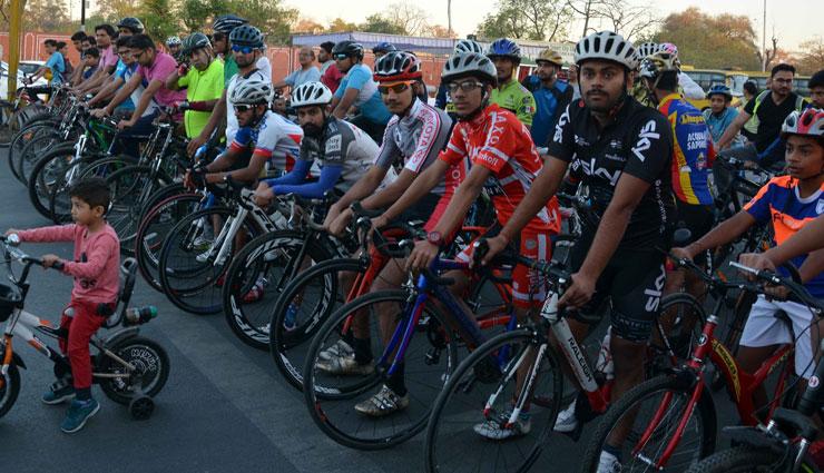 राजस्थान दिवस समारोह - 2018 : अल्बर्ट हॉल से जवाहर सर्किल तक निकली साइकिल मैराथन रैली