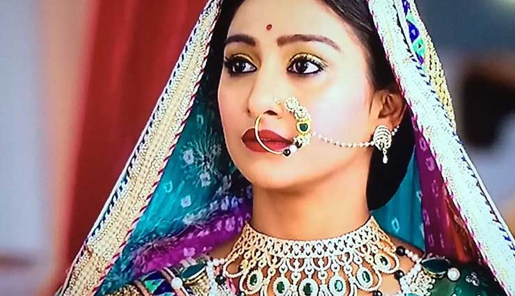 traditional nose rings,nose rings,kundan nose ring,rajasthani traditional nose ring,semi precious stone nose ring,pearl nose ring,silver temple nath nose ring