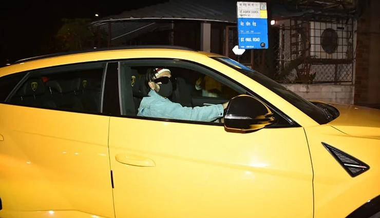 Bollywood actor Ranveer Singh borrows Rohit Shetty's Rs 3 crore bright yellow Lamborghini Urus for a ride on Mumbai streets