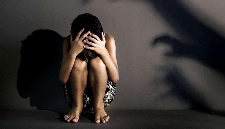 उप्र : 6 वर्षीय बच्ची के साथ 2 नाबालिग भाइयों ने दुष्कर्म कर की हत्या