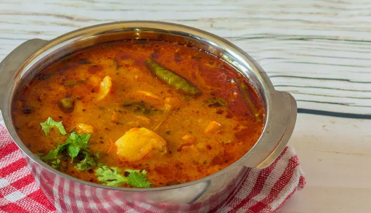 Recipe- Make Your Sunday Special With Dhaba Style Rasedar Aloo