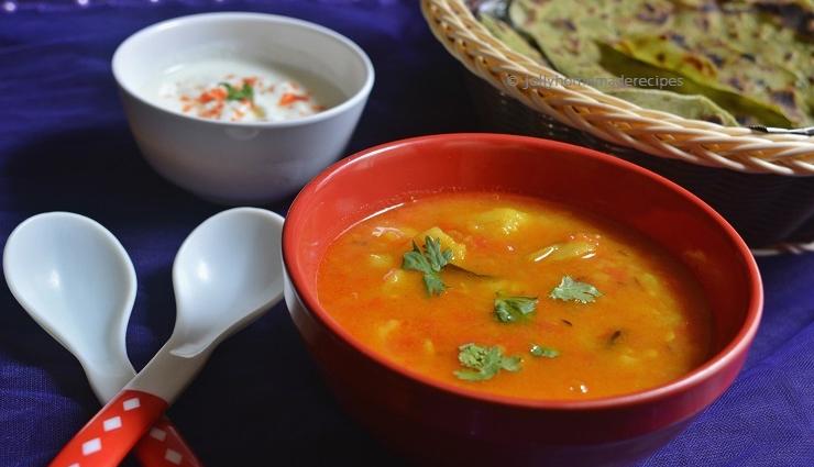 dhaba style rasedar aloo,aloo recipe,main course recipe
